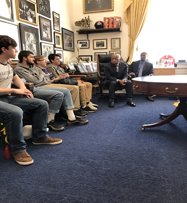 Frontier Students Meet Civil Rights Icon During Annual D.C Trip